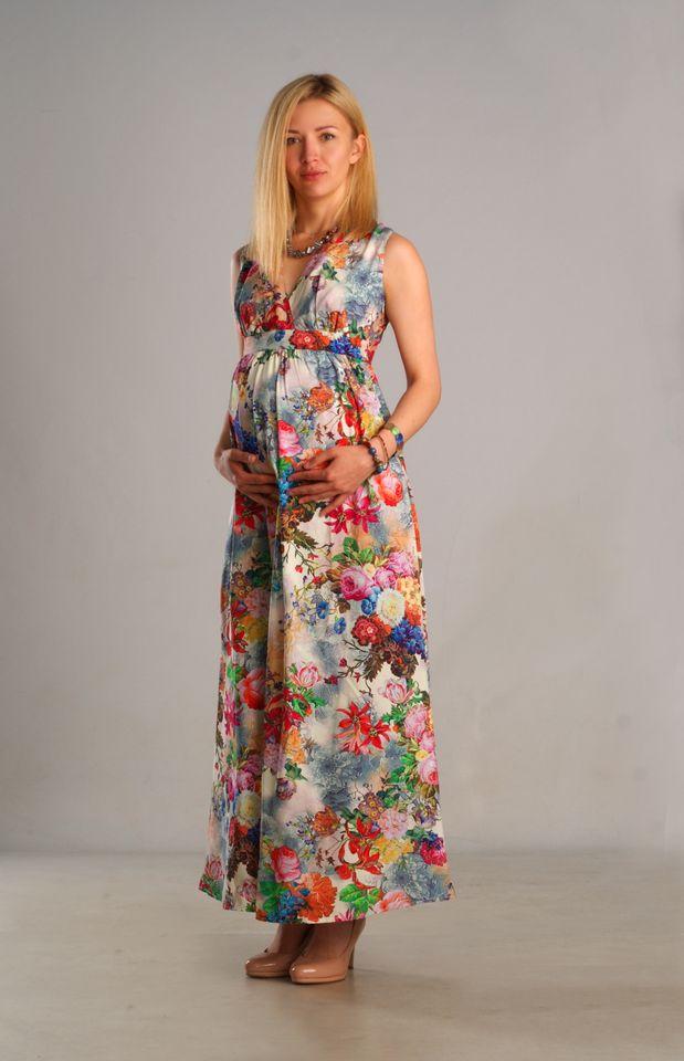 53a9e603987fbc3 Длинное летнее платье для беременных и после с нежным цветочным узором на  сером фоне